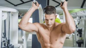 A man doing ab crunches on an ab crunch machine