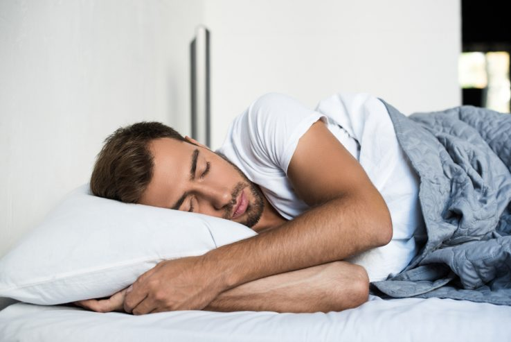 A man sleeping well in a good sleeping position