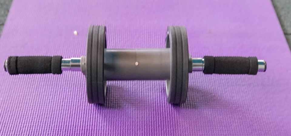 the ab roller is made of stainless steel